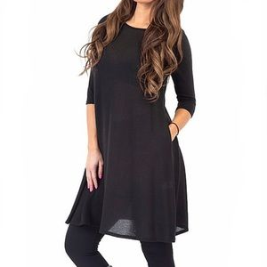 Black Three-Quarter Sleeve Shift Dress